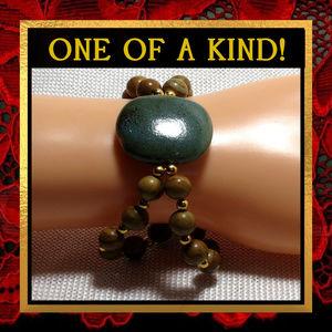 Green Ceramic & Grain Stone Bracelet #576